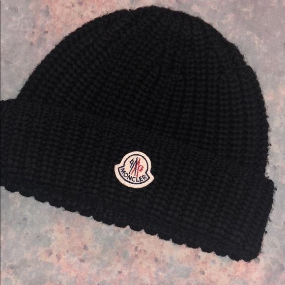 32ab4c302 Moncler Hat